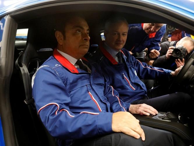 Chui vào hộp đàn qua mặt an ninh lên máy bay, cựu chủ tịch Nissan Carlos Ghosn trốn khỏi Nhật như trong phim hình sự ảnh 4