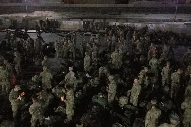 Sau khi tấn công giết chết tướng chỉ huy Iran, Mỹ vội tăng cường lực lượng, báo động chiến đấu ảnh 9