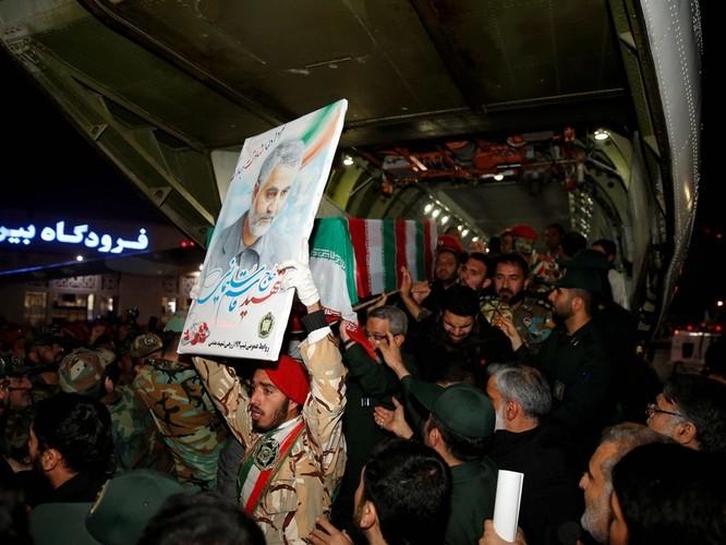 Ai là người đứng sau thúc đẩy và thuyết phục ông Trump ra tay sát hại tướng Iran Qasem Soleimani? ảnh 2