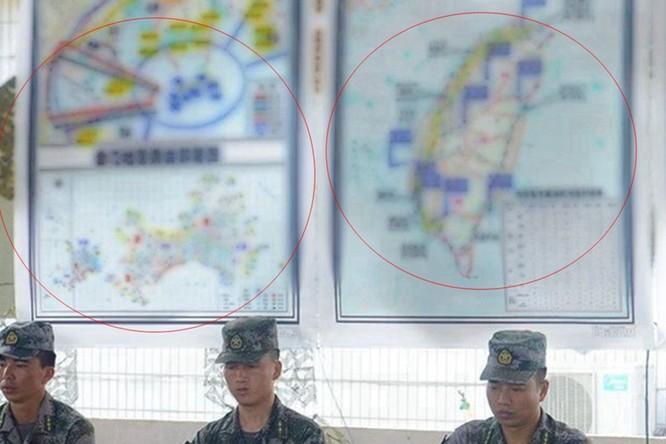 Rò rỉ ảnh quân đội Trung Quốc diễn tập đánh chiếm Đài Loan vào thời điểm nhạy cảm trong quan hệ hai bờ Eo biển ảnh 1
