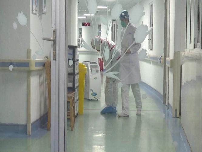 Dịch viêm phổi do virus Corona mới ở Vũ Hán lây lan mạnh tại Trung Quốc, đã có 440 người mắc, 9 người chết! ảnh 1