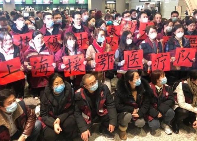 Các thày thuốc lên tiếng tố giác Ủy ban Y tế và Sức khỏe Vũ Hán che giấu dịch bệnh ảnh 3