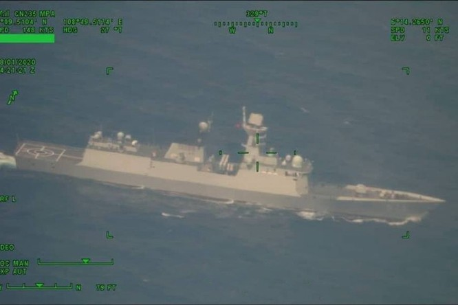 Đối đầu Trung Quốc – Indonesia trên vùng biển Natuna: Trung Quốc đã triển khai tàu hộ vệ mạnh nhất ảnh 1
