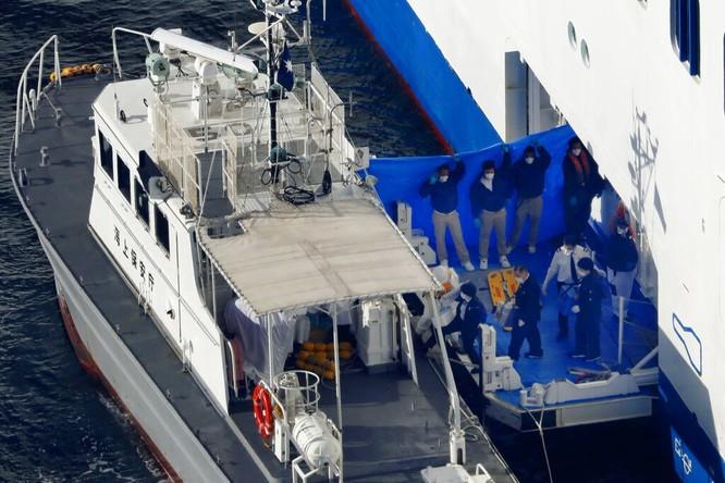 Đã có 61 hành khách mắc bệnh Viêm phổi Vũ Hán, tàu du lịch Diamond Princess trở thành trại cách ly trên biển ảnh 4