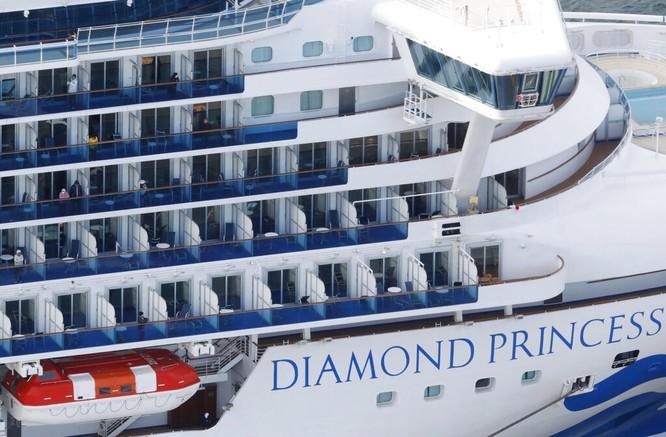 Đã có 61 hành khách mắc bệnh Viêm phổi Vũ Hán, tàu du lịch Diamond Princess trở thành trại cách ly trên biển ảnh 7