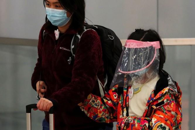Trăm lẻ một cách tự phòng hộ của người dân Trung Quốc trong đại dịch Viêm phổi do nCoV ảnh 7