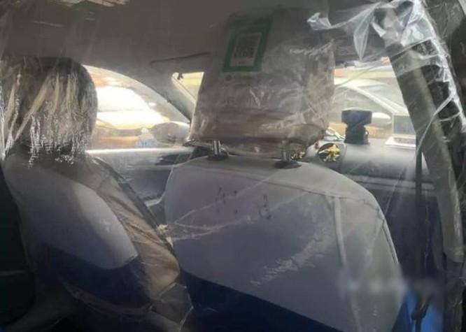 Trăm lẻ một cách tự phòng hộ của người dân Trung Quốc trong đại dịch Viêm phổi do nCoV ảnh 8