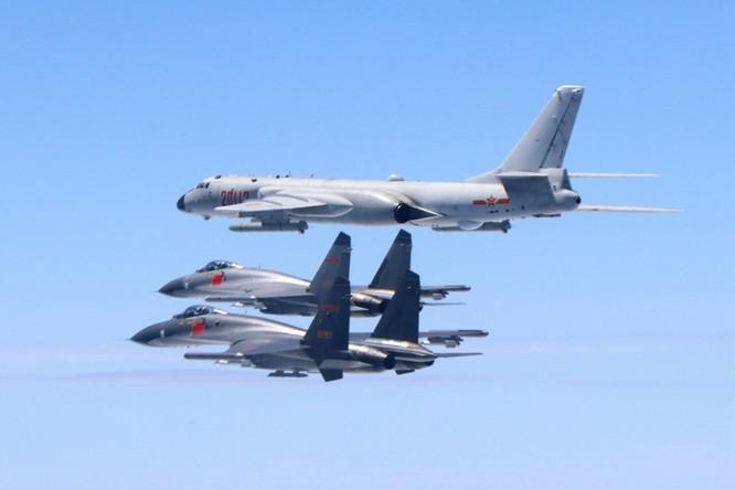 Mỹ cho máy bay bay xuyên qua eo biển Đài Loan, đáp lại việc máy bay Trung Quốc bay vòng quanh Đài Loan ảnh 3