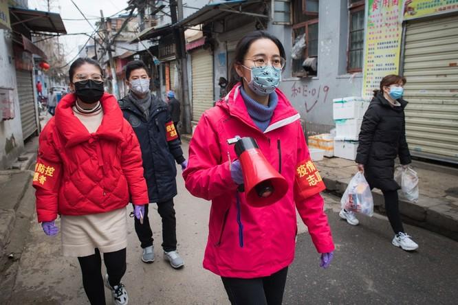 Cập nhật liên tục diễn biến COVID-19 ở Trung Quốc và trên thế giới ngày 18/2/2020: 3.019 y bác sĩ lây bệnh, giám đốc bệnh viện Vũ Xương 50 tuổi thiệt mạng vì COVID-19 ảnh 9