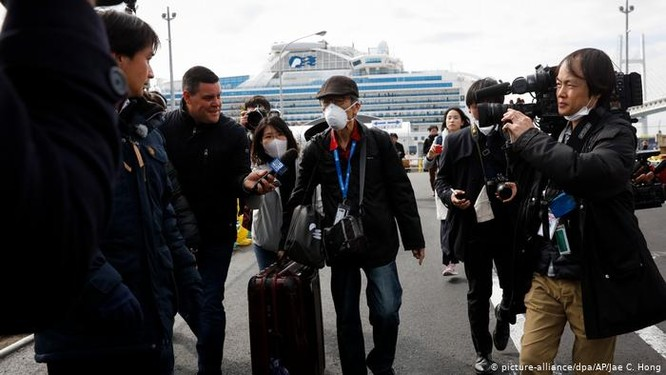 Hàn Quốc và Nhật Bản đối mặt với nguy cơ bùng phát dịch bệnh COVID-19 ảnh 5
