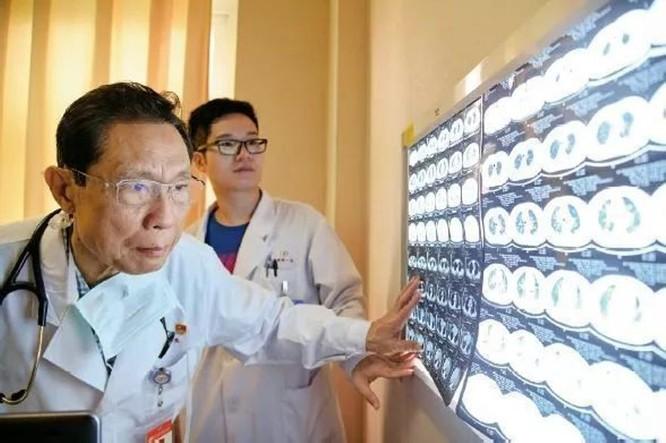"""Viện sĩ Chung Nam Sơn: """"COVID-19 không nhất thiết có nguồn gốc Trung Quốc!"""" ảnh 1"""