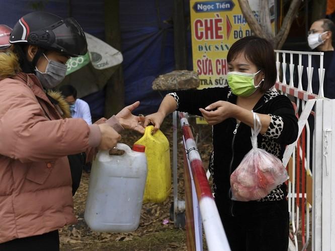 """Trang tin Hoa ngữ Đa Chiều: """"Việt Nam đã trụ vững trong cơn bão COVID-19 đang quét khắp toàn cầu!"""" ảnh 4"""