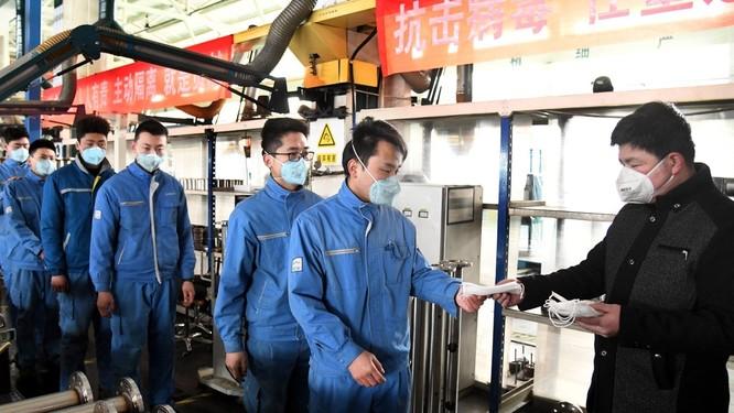 """Truyền thông Mỹ: địa vị """"hùng bá toàn cầu"""" của Trung Quốc trong 30 năm qua có lẽ sẽ chấm dứt do dịch bệnh COVID-19 ảnh 1"""