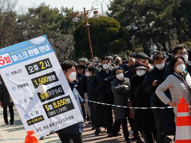 Báo Hoa ngữ so sánh chống Covid-19 theo mô thức Hàn Quốc và mô thức Trung Quốc ảnh 3