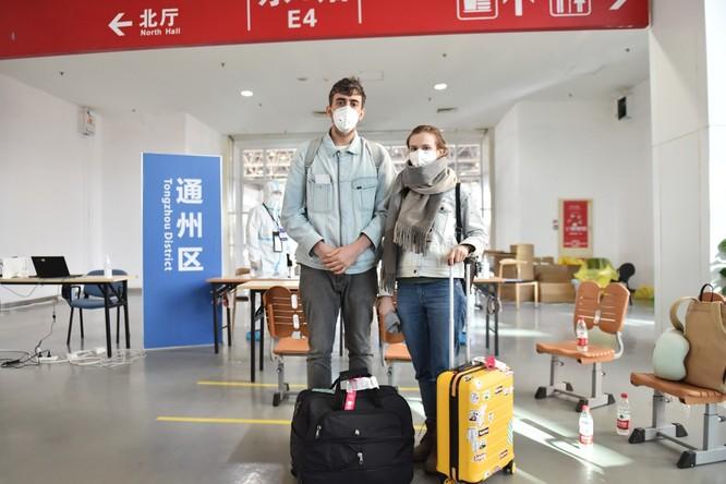 Diễn biến COVID-19 ngày 16/3: dịch bệnh đã tấn công 157 quốc gia và khu vực; số người bị bệnh ở các nước đã nhiều hơn Trung Quốc! ảnh 3