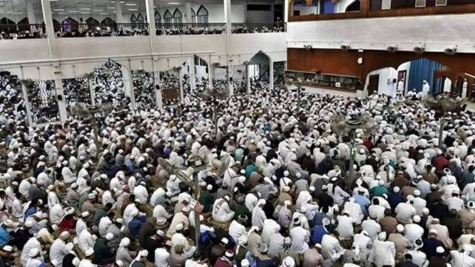 Malaysia phong tỏa toàn quốc, đóng cửa biên giới sau một buổi lễ cầu nguyện tại thánh đường Hồi giáo ảnh 2
