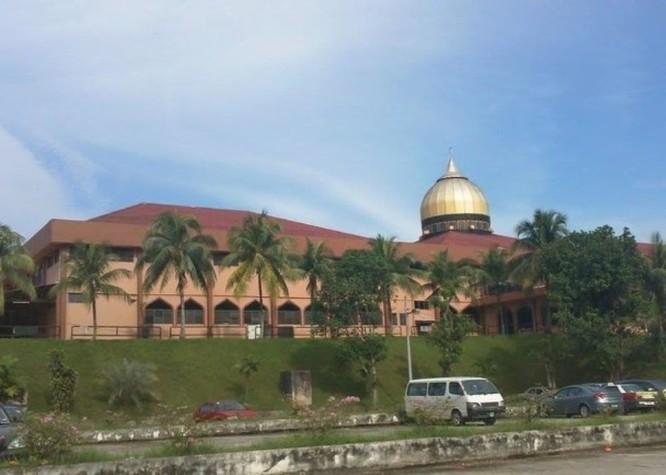Malaysia phong tỏa toàn quốc, đóng cửa biên giới sau một buổi lễ cầu nguyện tại thánh đường Hồi giáo ảnh 1