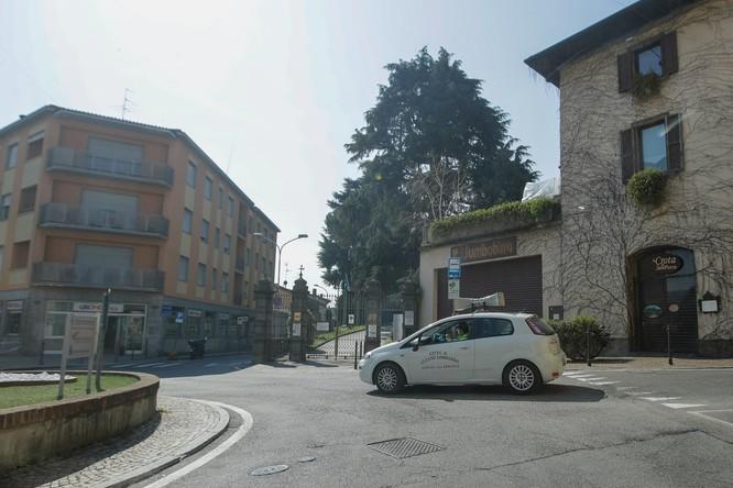 Thảm cảnh COVID-19 ở Italy: người chết quá nhiều, quân đội phải dùng xe tải chở đi nơi khác hỏa thiêu ảnh 3