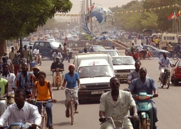 Cập nhật nhanh tình hình dịch bệnh lúc 11h00 ngày 22/3: hàng loạt cầu thủ Giải Serie A dương tính, 4 Bộ trưởng ở Burkina Faso nhiễm bệnh! ảnh 3