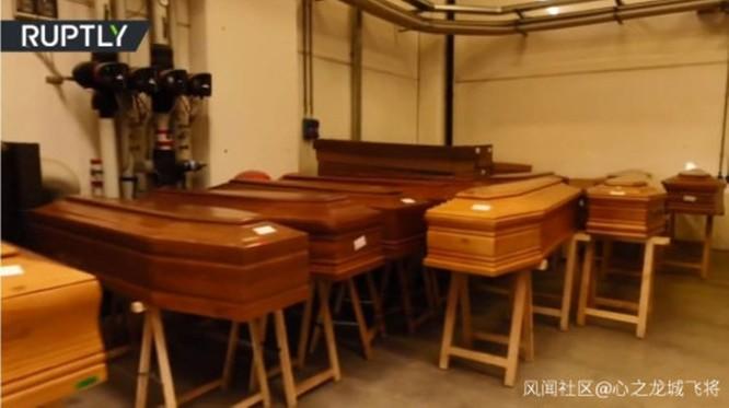 Cập nhật nhanh tình hình lúc 19h00 ngày 22/3: Mỹ trở thành quốc gia bị dịch nghiêm trọng thứ 3, nhà quàn các nghĩa trang Italy không còn chỗ chứa! ảnh 2
