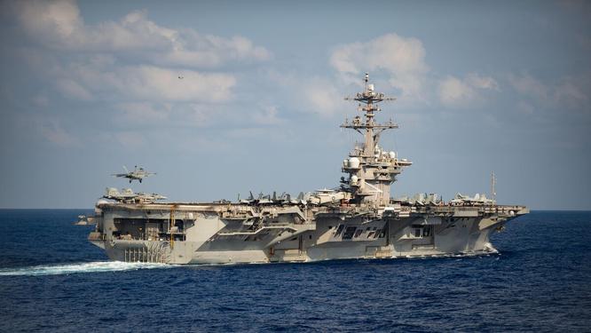 Lo tàu sân bay Roosevelt biến thành ổ dịch COVID-19, Đại tá hạm trưởng viết thư cầu cứu xin cho thủy thủ lên bờ cách ly ảnh 3