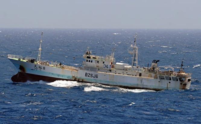 Phía sau vụ va chạm trên biển Hoa Đông tối 30/3: tàu Trung Quốc đã chủ động đâm tàu Nhật Bản? ảnh 3