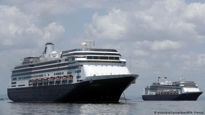 4 người trên tàu đã chết vì Covid-19, tàu Zaandan vẫn không thể cho khách lên bờ vì bang Florida từ chối ảnh 2