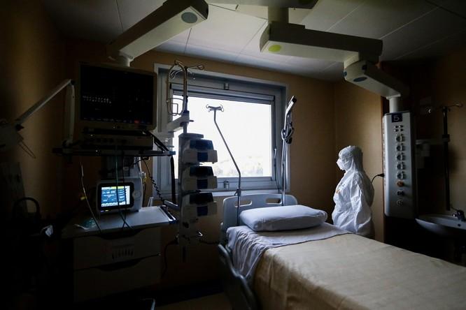 Thiếu hụt nhân viên y tế, Italy sử dụng người máy để chăm sóc bệnh nhân ảnh 2