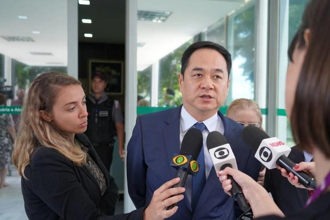 Bị Bộ trưởng Giáo dục Brazil chỉ trích gây đại dịch, Bắc Kinh nổi xung ảnh 2