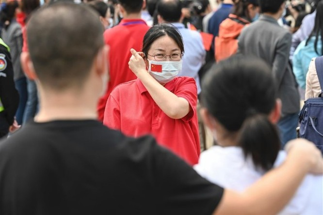 Trung Quốc bị tố chi tiền vận động, xây dựng hình ảnh trong chống dịch COVID-19 ảnh 3
