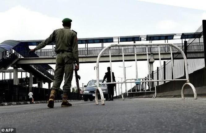 Nigeria: số người bị bắn vì phạm luật nhiều hơn số chết vì COVID-19! ảnh 1