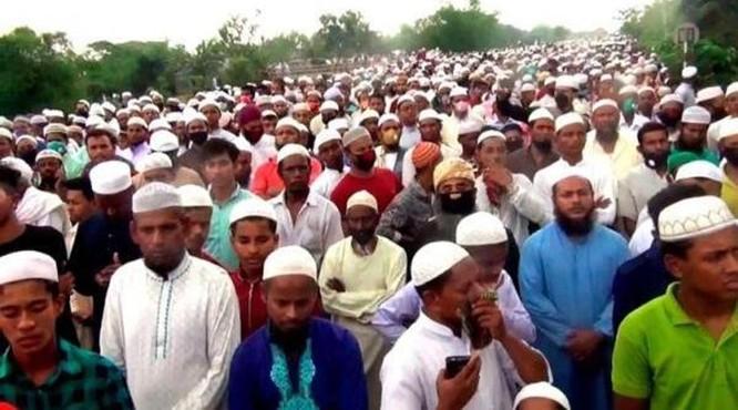 Người Bangladesh hoảng sợ vì đám tang 100 ngàn người dự giữa đại dịch ảnh 2