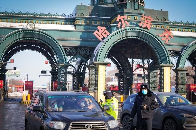 """Trung Quốc: Tình hình dịch bệnh nghiêm trọng, Cáp Nhĩ Tân trở thành """"Vũ Hán 2.0"""" ảnh 1"""