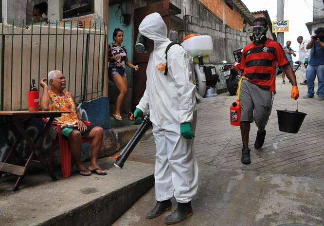 """Tạp chí The Lancet: """"Tổng thống Jair Bolsonaro là mối đe dọa lớn nhất của cuộc chiến chống dịch ở Brazil!"""" ảnh 4"""