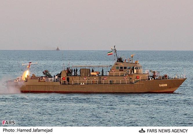 Bi kịch: tàu Iran bắn nhầm nhau khi diễn tập trên biển, tàu chìm, 34 lính thủy thương vong ảnh 2