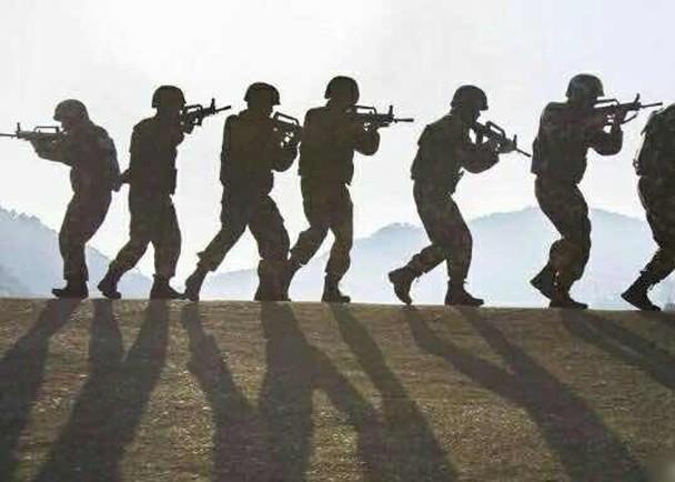 """Ngoại giao """"thượng cẳng chân, hạ cẳng tay"""" giữa hai cường quốc hạt nhân Trung Quốc và Ấn Độ ảnh 2"""