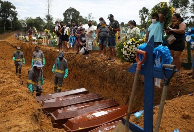 Tổng thống Jair Bolsorano và việc Brazil trở thành trung tâm dịch bệnh thứ hai thế giới ảnh 2