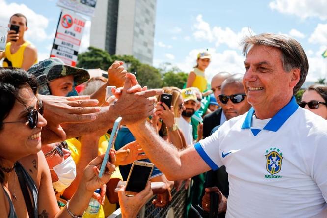 Tổng thống Jair Bolsorano và việc Brazil trở thành trung tâm dịch bệnh thứ hai thế giới ảnh 3