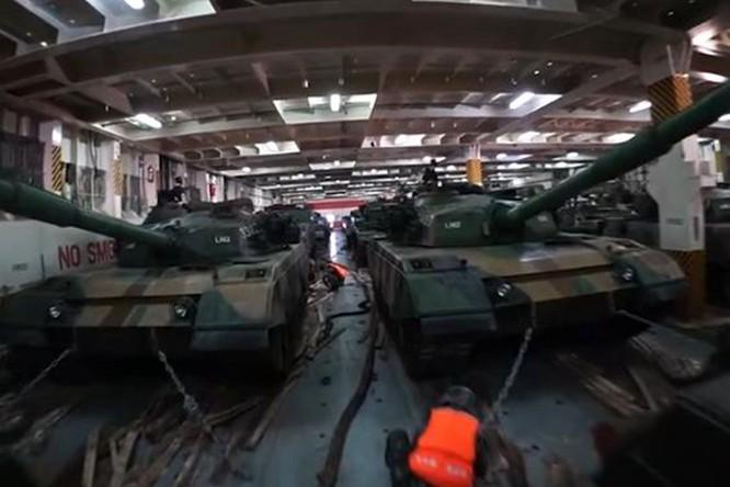 Giữa lúc quan hệ hai bên Eo biển căng thẳng, quân đội Trung Quốc rầm rộ diễn tập tấn công Đài Loan ảnh 2