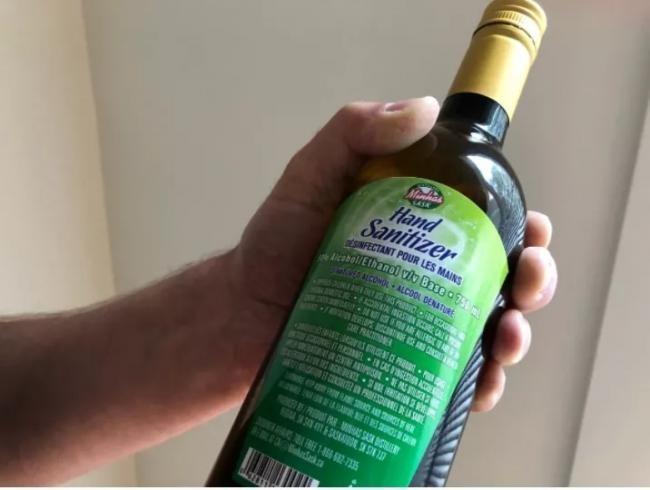 Hàng trăm người Canada bị ngộ độc cồn do uống nhầm chất sát trùng tay để chống virus corona mới ảnh 2