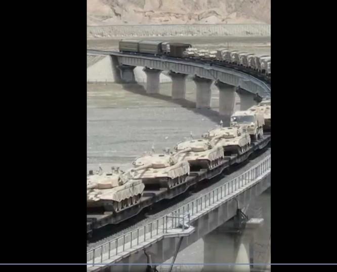 Truyền thông Ấn Độ: Quân đội Trung - Ấn đã khẩn cấp tăng viện ở cả ba tuyến tranh chấp ảnh 2