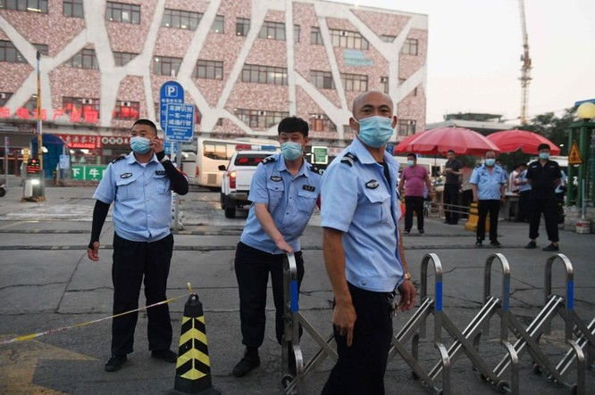 79 người nhiễm bệnh sau bốn ngày, liệu Bắc Kinh có trở thành Vũ Hán thứ hai? ảnh 2