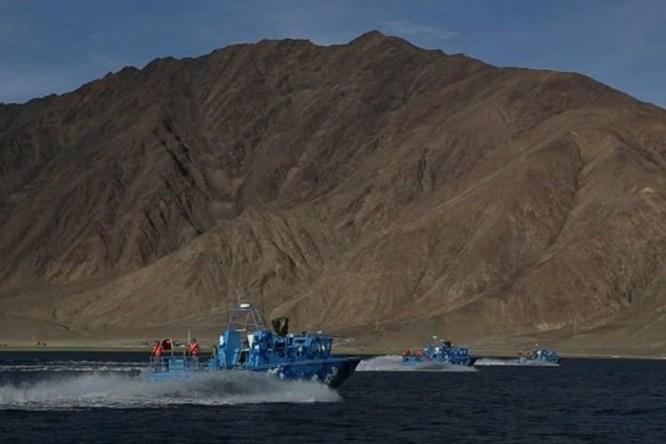 Tranh chấp biên giới Trung - Ấn: Bộ trưởng Quốc phòng Ấn Độ tuyên bố cứng rắn ảnh 4