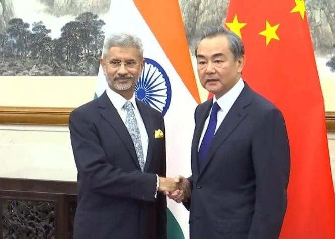 Thủ tướng Modi lần đầu lên tiếng, Ngoại trưởng Trung - Ấn trao đổi điện thoại bàn giải quyết ảnh 5