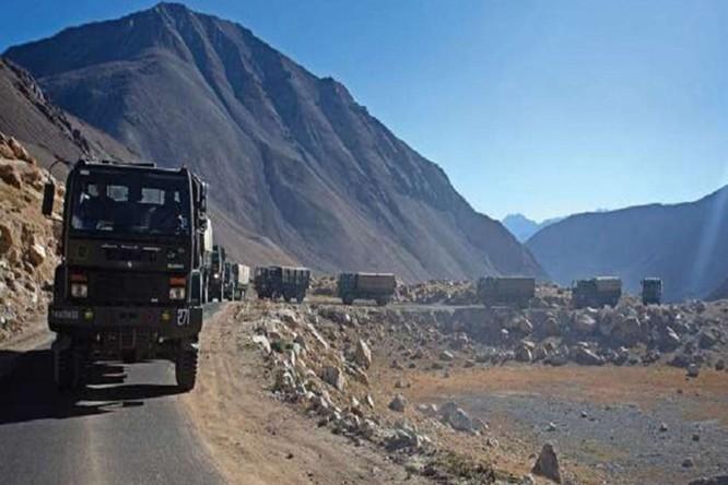 Trung Quốc bí mật xây dựng cấu trúc ở biên giới, Ấn Độ cho máy bay giám sát đối phương ảnh 1