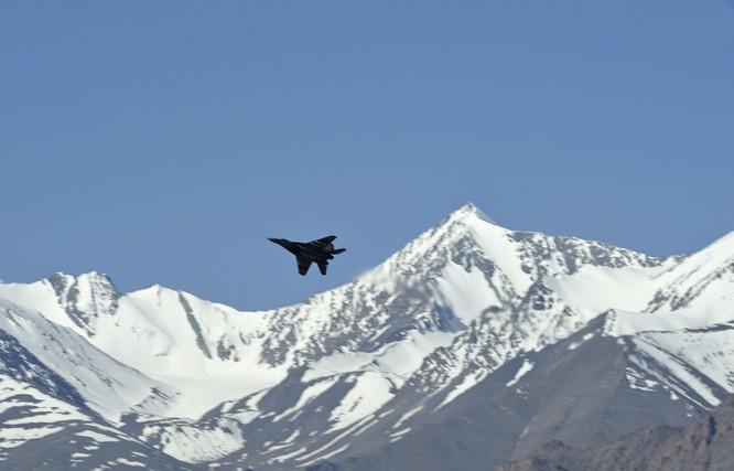 Hai bên vừa đàm phán vừa tăng quân, biên giới Trung - Ấn cực kỳ căng thẳng ảnh 5
