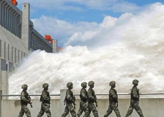 Chuyên gia cảnh báo nguy cơ đập Tam Hiệp bị vỡ, 600 triệu người Trung Quốc sẽ lâm nguy ảnh 7