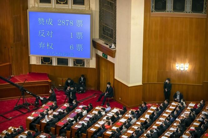 Mỹ thông qua Luật tự trị Hồng Kông, chuẩn bị ra đòn trừng phạt, Trung Quốc nổi xung ảnh 1
