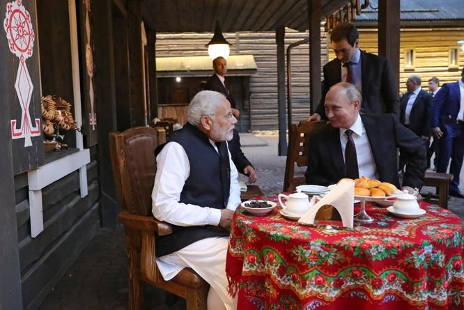 Làm trung gian hòa giải Trung - Ấn, vì sao Nga tăng cường bán vũ khí cho Ấn Độ? ảnh 2