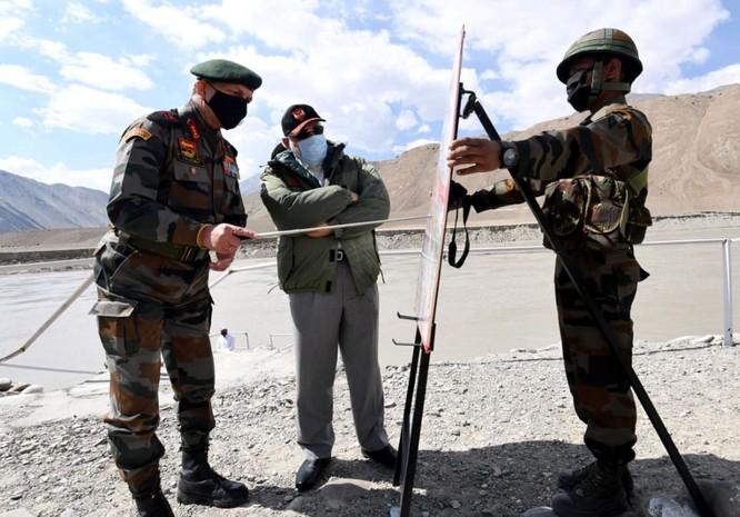 Giữa lúc tình hình căng thẳng, Thủ tướng Ấn Độ thị sát khu vực tranh chấp Ladakh ảnh 3